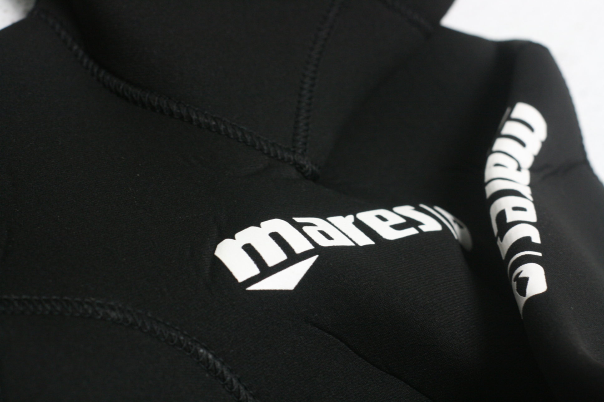 Mares Womens 5mm Apnea Instinct 50 Wetsuit Jacket Medium Black High ... b9e386bcb