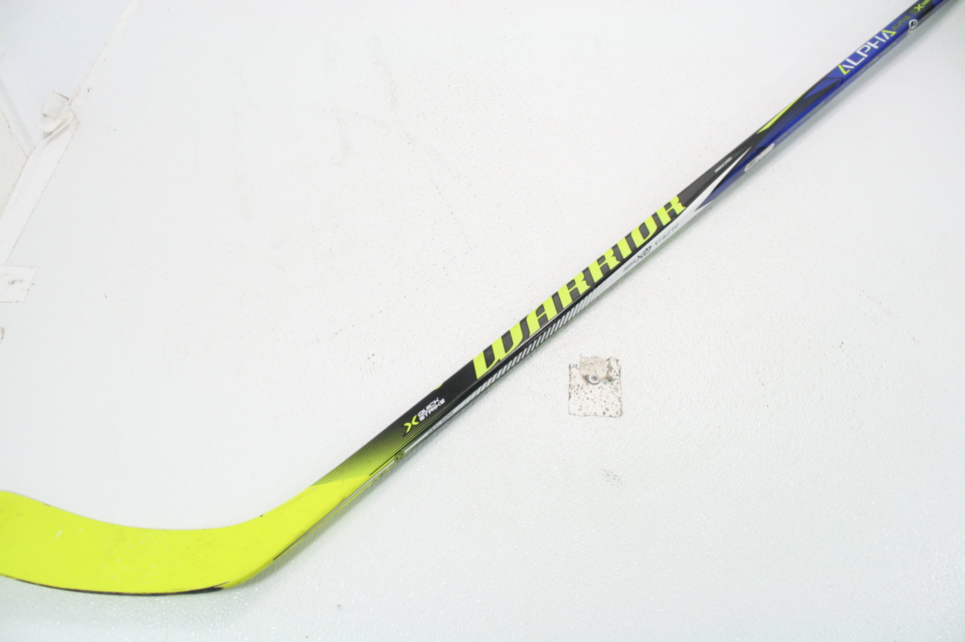 061bc559b33 Warrior Alpha QX Sabre Junior Hockey Stick True 1 Phantom Feel Sabre ...